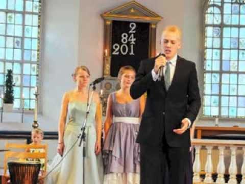 Joakim Svensson sjunger You Raise me Up, Fjärås kyrka