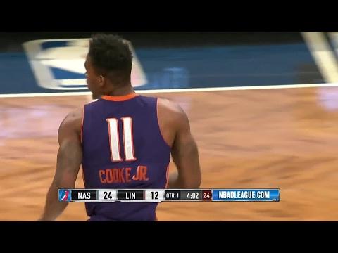 Derek Cooke Jr. with the dunk!
