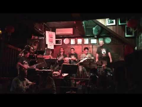 Dixieland Jazz Show at Ned Kelly's Last Stand in Hong Kong (2/3)