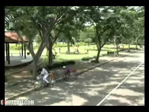 1.Nguy hiểm khi đi xe đạp dàn hàng ngang trên đường