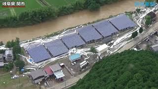 大雨特別警報の岐阜、津保川が氾濫