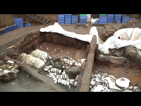 China Excavates 200 Tons of Cultural Relics from South China Sea Shipwreck