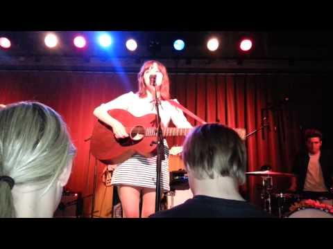 Gabrielle Aplin - Keep on Walking (Live) mp3