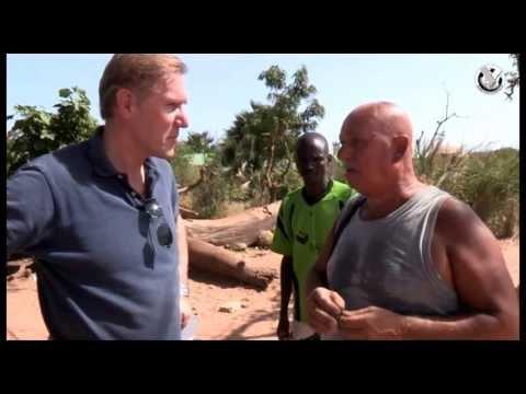 Hans van Breukelen bij Gambia Sport Foundation