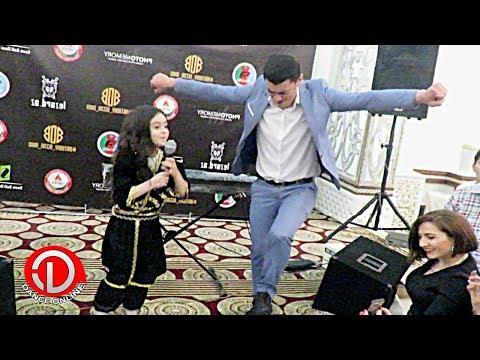 Девушка поёт туфли муфли Сакит Танцует Просто Супер 2018