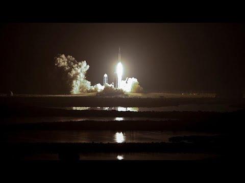 شاهد: سبيس إكس تطلق صاروخا يحمل 24 قمرا صناعيا تجريبيا  - نشر قبل 3 ساعة