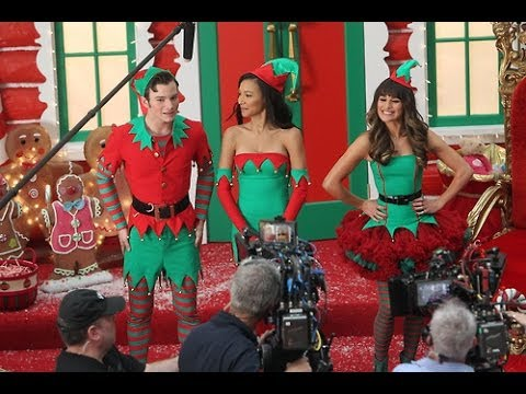 Glee Season 5 Episode 8 Previously Unaired Christmas Review - YouTube