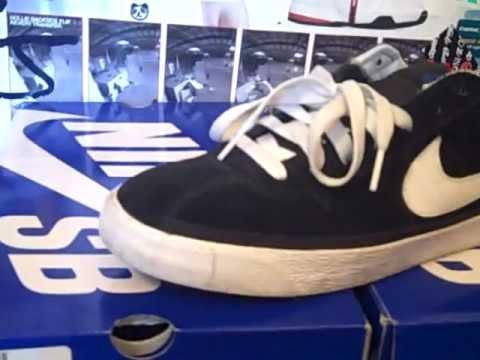 9f04627eada Shoe Review  Nike SB Bruin B W   Nike SB Bruin (Supreme) - YouTube