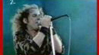 Scorpions - Rock You Like A Hurricane - Rock in Rio 1985