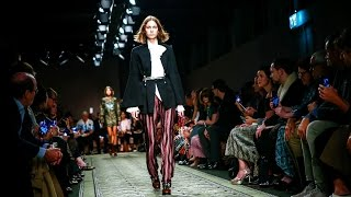 Burberry | Fall Winter 2016/2017 Full Fashion Show | Exclusive