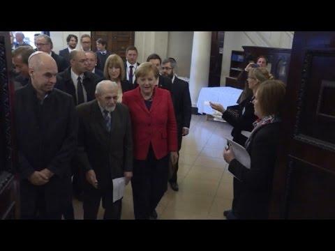 Merkel visits synagogue in Buenos Aires