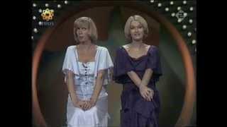 Ria Valk en Martine Bijl - Parodie op de STER-reclames