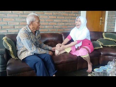Terapi Pijat Oleh Pak Haji Dana (2)