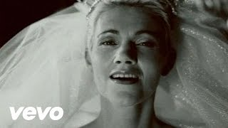 Roxette - Stars(Music video by Roxette performing Stars., 2009-03-04T16:27:05.000Z)