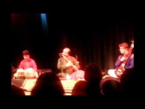 Pt. Ronu Majumdar & Tapan Battacharya - Benares Magic Dhuwani