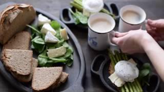 видео Девчата - Авокадо, запеченное с яйцом и беконом