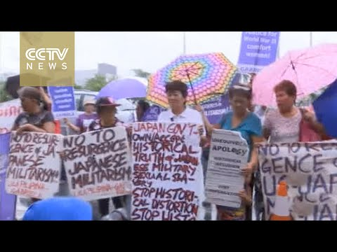 Philippine sex slaves protest as Japanese FM visits