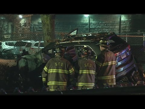 3 dead, 2 critically injured after SUV crash in Springfield