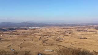 江原道鉄原郡、所伊山(ソイサン)山頂から。2017年12月7日。