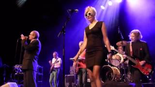Lavvi Ebbel - Victoria (Live @ Het Depot 11-10-2014)