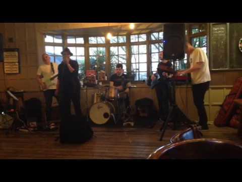 Love Music Entertainment - The Glen Parish Band - Seven Nation Army
