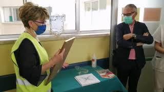 Lions Host dona armadio portafarmaci a Malattie Infettive di Vasto