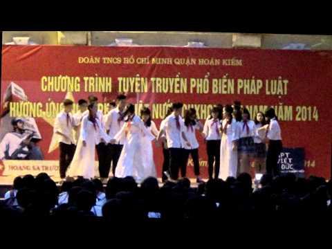 Trường Xuân & các bạn 11Do- THPT Việt Đức- Sinh hoạt dưới cờ ( 10-11-  2014)