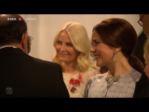 Crown Princess Mary met her father at dinner in Fredensborg Palace 2015