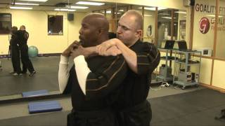 http://www.darrickbynum.com/ How to get out of a Choke Hold ! Stree...
