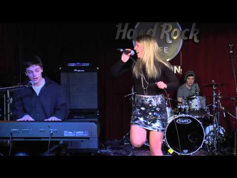 "Rachel and Jesse performing ""Lego House"" at Hard Rock Cafe"
