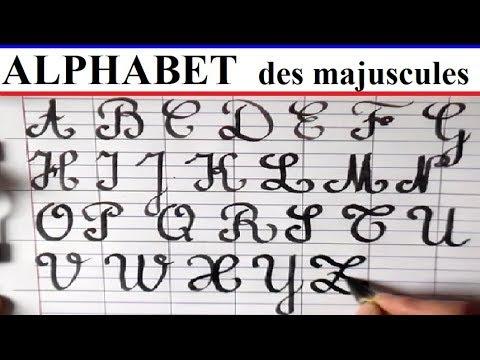 Admirable Écriture de l'alphabet majuscule avec des pleins et les déliés LA-62