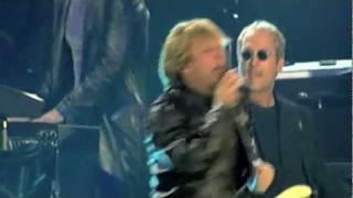 Bon Jovi - Livin On A Prayer & You Give Love A Bad Name [Live]