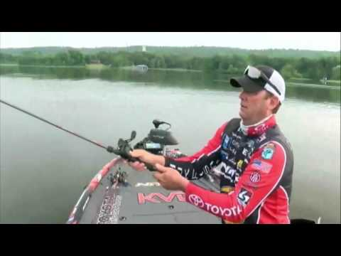 Kevin VanDam with an early limit - day 3 Elite Series at Dardanelle 2017