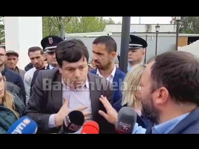 """""""M'u thaftë dora që ju votova"""" pedagogu i UBT-së përplaset me Maznikun"""