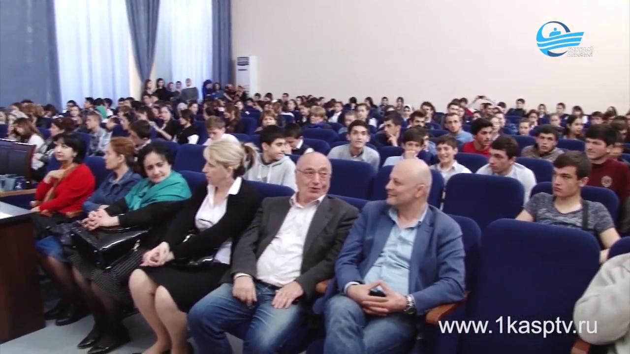 Смотр художественной самодеятельности прошел в энергетическом колледже г. Каспийск