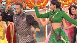 Bigg Boss 9 - Salman Khan And Sonam Kapoor Performance