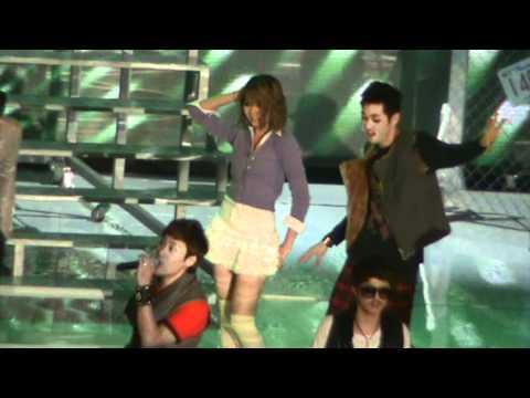 [FANCAM/291111] Ooh La La Session @ MAMA 2011