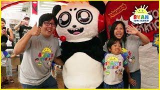 Ryan's First Fan Meet up family fun event + Meet Combo Panda In Real Life!!!