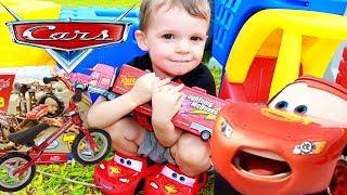 Disney Cars 3 New Toys Scavenger Hunt 🚗 McQueen Mater