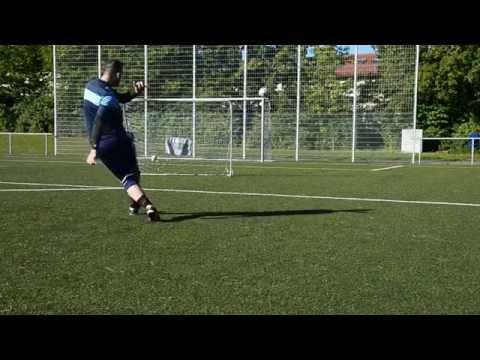 Học cách sút bóng của David Beckham