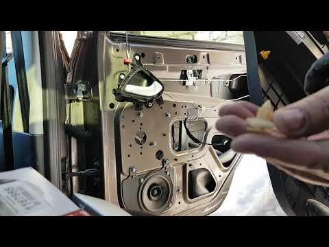 замена штатной акустики в задних дверях калина 2 гранта
