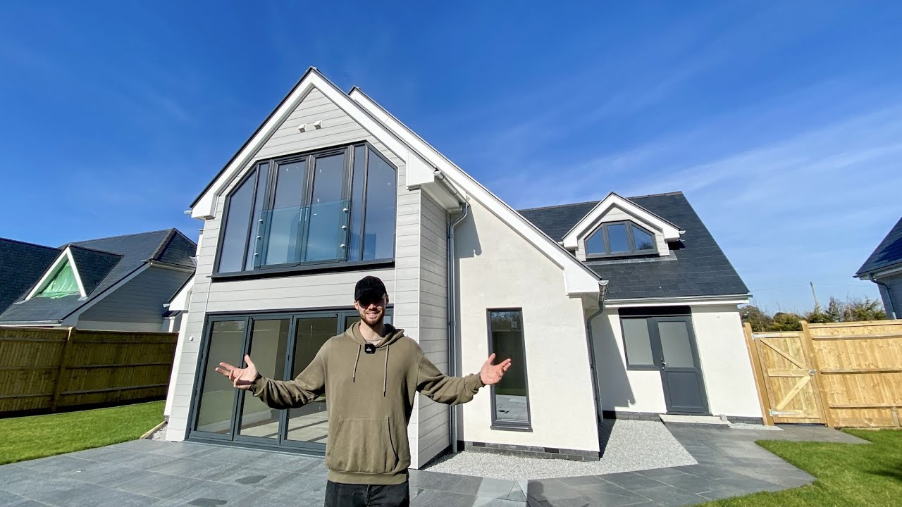 Touring another £1,200,000 new build on the South Coast of England (full property tour)