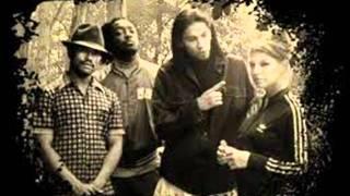 The Black Eyed Peas-Play it loud