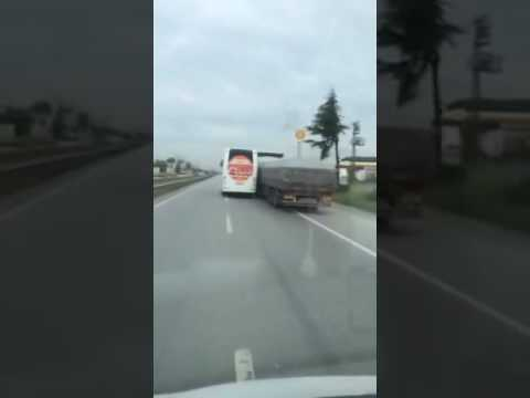 Metro Turizm Şoförünün Tır Tacizi.