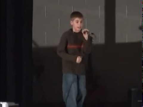 Justin Bieber singing in Straford Idol [ORIGINAL]