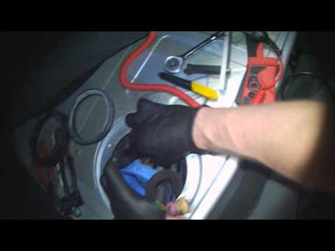 Audi B5: Fuel pump removal