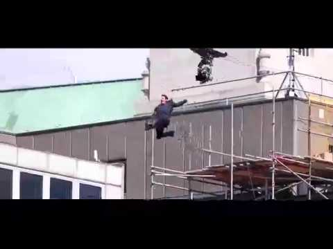 Tom Cruise injured filming Mission: Impossible 6 stunt in London