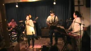エミー・ジャクソンのデビュー曲。安西マリアさんが日本語でカバーし、...