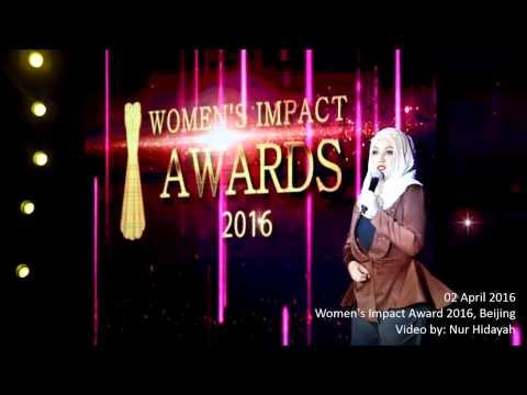 Shila Amzah  and Yang Lan-  impatto delle donne premi 2016 -  Beijing