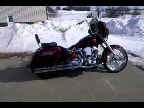 Yamaha roadstar bagger with reckless fairing